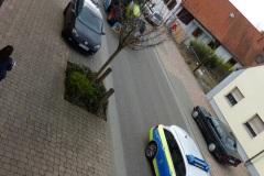 13-fröhliche-Fahrt-mit-Polizeischutz