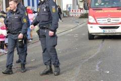 38-Dank-an-Polizei-und-Feuerwehr